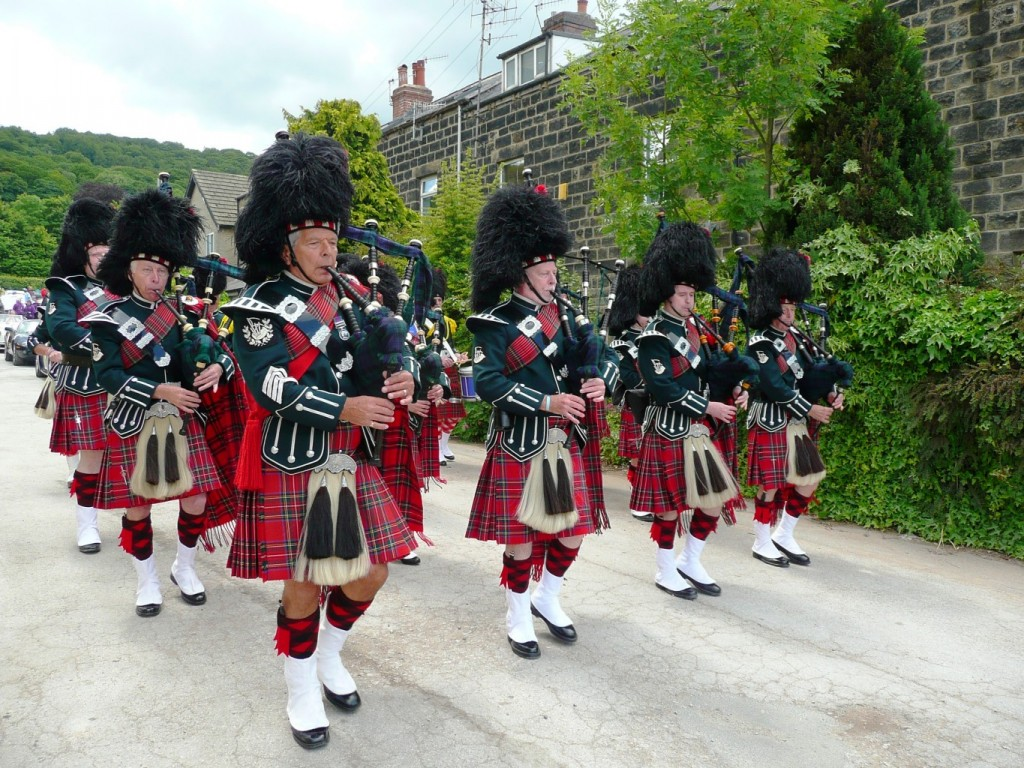 City of Leeds Pipeband at Otley Carnival